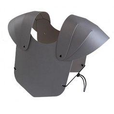 Armure grise en carton solide pour petits chevaliers.