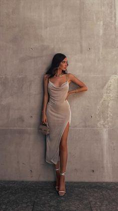 Glam Dresses, Elegant Dresses, Pretty Dresses, Beautiful Dresses, Fashion Dresses, Long Dresses, Elegant Outfit, Classy Dress, Classy Outfits