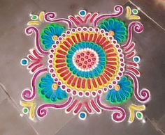 Discover simple rangoli designs for home. Make these small and easy rangoli designs for festivals. Beginners and kids can try their hands on these rangolis. Rangoli Colours, Rangoli Patterns, Rangoli Ideas, Rangoli Designs Diwali, Diwali Rangoli, Easy Rangoli, Simple Rangoli Designs Images, Beautiful Rangoli Designs, Kolam Designs