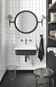 dupont corian basin with black shelves and square tiles Dupont Corian, Corian Sink, Bad Inspiration, Bathroom Inspiration, Vintage Sink, Vintage Style, Vintage Room, Turbulence Deco, Bathroom Basin