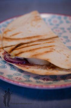 Facon, Snacks, Ethnic Recipes, Pirates, Desserts, Presentation, Grilled Cheese Maker, Prosciutto, Snacks Ideas