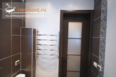 Ремонт ванной в хрущевке: монтаж полотенцесушителя, установка дверного блока