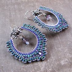 Green Hoop Earrings Purple Flower Earrings Seed Bead por windyriver