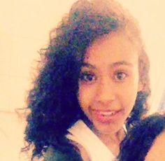 me acho tao lindaa,  so as vezes ! :) rs'
