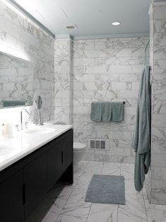 Black and white marble bathroom floor tiles marble floor tile with black vanity for elegant bathroom ideas with mirror black and white marble bathroom floor Black Bathroom Paint, Grey Marble Bathroom, Bathroom Tile Designs, Bathroom Layout, Bathroom Ideas, Bathroom Wall, Shower Bathroom, Bathroom Pictures, Bathroom Cabinets