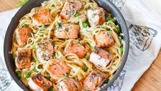 Delicious salmon fettuccine alfredo made with tender chunks of salmon served on a bed of pasta coated in a creamy white wine sauce! this fettuccine recipe Seafood Pasta Recipes, Fish Recipes, Chicken Recipes, Beef Recipes, Family Recipes, Fettuccine Alfredo, Chicken Alfredo, Alfredo Recipe, Alfredo Sauce
