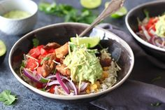 Mexicaanse rijstbowl Poke Bowl, Buddha Bowl, Rice Dishes, Tortilla Chips, Guacamole, Love Food, Risotto, Cabbage, Mexican