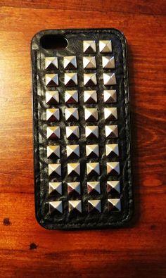 Carcasa tachas Iphone 5 - 5s $6.000