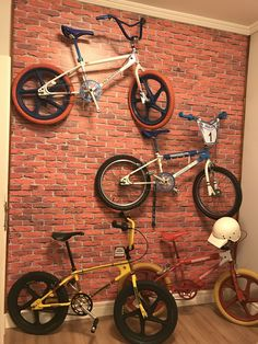 6 Cheap And Easy Unique Ideas: Car Wheels Diy Boys car wheels recycle animal sculptures.Old Car Wheels Diy car wheels diy boys. Vintage Bmx Bikes, Velo Vintage, Camaro Car, Ford Mustang Car, Ford Mustangs, Matte Black Cars, Montain Bike, Gt Bmx, 1980s
