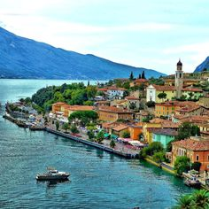 Lago di garda ~ Limone sul Garda  #Italy johnenpieter.com