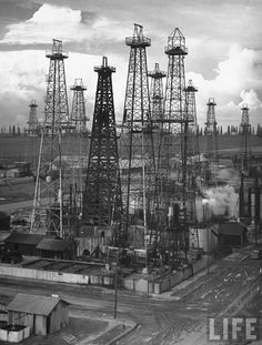 Oil wells near Los Angeles, 1937