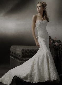 mermaid wedding gown, really love this dress