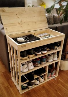 Brilliant DIY Shoe Storage Ideas For Best Home Organization 55 Wood Shoe Rack, Diy Shoe Rack, Shoe Racks, Shoe Rack Pallet, Shoe Rack Cupboard, Wooden Rack, Shoe Cabinet, Diy Pallet Furniture, Furniture Design