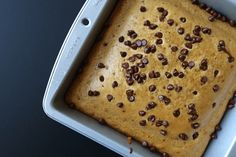 Half cake, half cookie, 100% delicious… This cookie cake is…well…a little different. It's actually the result of a chocolate chip cookie recipe gone wrong. I've been trying to make a macro-friendly chocolate chip cookie for months. Literally, for months. Batch after batch, I'd always find something I didn't like about the cookies –  they were … Protein Chocolate Chip Cookies, Mini Chocolate Chips, Duff Recipe, Clean Eating Cookies, Cake Ingredients, Cookie Recipes, Diet, Food, Recipes For Biscuits