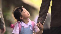 To co robi tatuś dla tej dziewczynki poruszy nawet największego twardziela.
