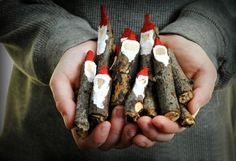 These primitive style wooded stick Santas are easy to make and so cute.