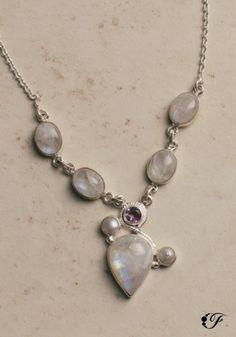 Collar de amatista y piedra luna  en Plata 925.