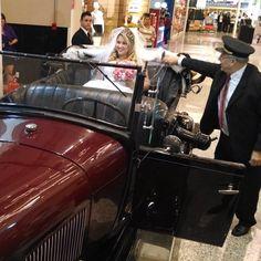 Veja aqui como alugar seu carro de noiva sem erro, nessa história que mais parece um conto de fadas!