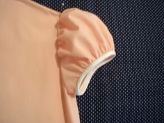 how to french seam set in sleeve. you know, for when i start making my own… Sewing Lessons, Sewing Hacks, Sewing Tutorials, Sewing Crafts, Sewing Tips, Sewing Patterns, Sewing Ideas, Sewing Projects, Techniques Couture