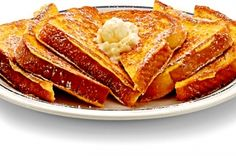 Six fluffy triangle-shaped slices topped with whipped butter and powdered sugar on the French Toast menu at IHOP. Breakfast Recipes, Dessert Recipes, Desserts, Breakfast Dishes, Breakfast Ideas, Best French Toast, Recipe Details, Clean Eating Snacks, Holiday Recipes