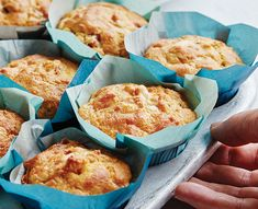 Ces muffins salés au jambon et au fromage sont parfaits pour le matin, le midi, ou une collation entre les deux! Ham And Cheese, Macaroni And Cheese, Muffin Recipes, Breakfast Recipes, Brunch, Muffin Bread, Cheese Muffins, Recipe Organization, Cold Meals