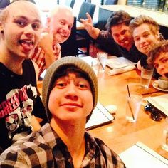 removed one selfie with your friends .... Michael looks bald !!