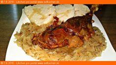 Pomaly pečené husacie stehno s karamelovou kapustou a domácou kysnutou knedľou Ingrediencie 1 husacie stehno z mladej husi cca 650 g 2 CL soli 50 ml studenej vody Na kapustu: 750 g kvasenej sudovej kapusty 100 ml šťava z kapusty 1 veľká cibuľa 1 - 2 PL husacej masti 3 PL cukru kryštál soľ podľa …