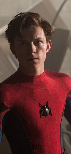 "Tom Holland returns as Peter Parker/Spider-Man in the newest MCU film 'Avengers: Infinity War.' ""No Small Parts"" takes a look at Tom's previous acting roles, including his stint dancing on stage as Billy Elliot. Tom Holland Peter Parker, Tom Parker, Siper Man, Iron Man, Tom Holand, Photo Star, Man Thing Marvel, Tommy Boy, Men's Toms"