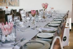 This is exactly what I have in mind! Just with a different & darker table cloth