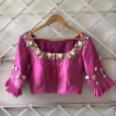 Beautiful floral embroidered Blouse Designed by Designer Blouse Ideas . Tag your picture to get featured on this page . Best Blouse Designs, Simple Blouse Designs, Stylish Blouse Design, Bridal Blouse Designs, Blouse Neck Designs, Sari Design, Designer Kurtis, Pattu Saree Blouse Designs, Designer Blouse Patterns