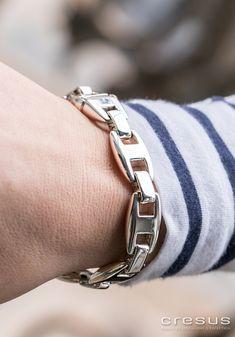 03affd680301 67 meilleures images du tableau Les bracelets   Jewelry branding ...