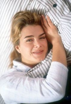 American actress Brooke Shields on the set of her new film 'The Seventh Floor' in 1993 in Sydney Australia Most Beautiful People, Beautiful Models, Beautiful Actresses, Beautiful Women, Brooke Shields Pretty Baby, Brooke Shields Young, Beloved Film, American Actress, My Idol