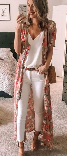 Preppy Spring Outfits To Copy Right Now white camisole and white jeans Casual Work Outfits, Mode Outfits, Fashion Outfits, Jeans Fashion, Fashion Mode, Look Fashion, Spring Summer Fashion, Spring Outfits, Spring Style