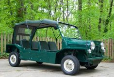 Bid for the chance to own a Restored 1965 Austin Mini Moke at auction with Bring a Trailer, the home of the best vintage and classic cars online. Good Looking Cars, Car Crash, Car Engine, Classic Cars Online, Police Cars, Vw Bus, Vintage Cars, Super Cars, 1970s