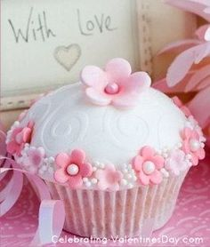 U003c3 Flowers U0026 Pearls Cupcake Valentineu0027s Day Cupcake Decorating Ideas