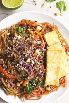 Vegan Pad Thai – I'm so happy because I love this recipe so much and I wanted to share with you since I made it for the first time. This vegan Pad T… - Moyiki Sites Vegan Recipes Beginner, Recipes For Beginners, Delicious Vegan Recipes, Healthy Recipes, Yummy Food, Healthy Pasta Dishes, Healthy Pastas, Honey Teriyaki Chicken, Vegan Pad Thai