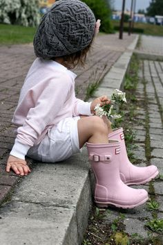 Adorable! Love the pink boots!