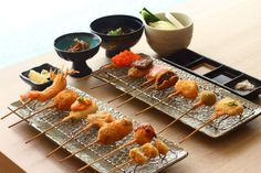kushikatsu - Google Search Finger Food Appetizers, Finger Foods, Appetizer Recipes, Japanese Dishes, Japanese Food, Asian Recipes, Asian Foods, Menu Design, Sashimi