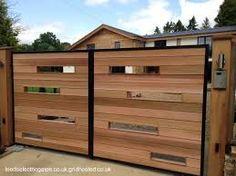 Resultado de imagen para portones de madera modernos