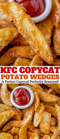You'll LOVE these KFC Potato Wedges! They're so easy, crispy on the outside and fluffy on the inside! You'll LOVE these KFC Potato Wedges! They're so easy, crispy on the outside and fluffy on the inside! Side Dish Recipes, New Recipes, Cooking Recipes, Favorite Recipes, Kfc Gravy Recipe, Kfc Fries Recipe, Kfc Fried Chicken Recipe, Kfc Potato Wedges, Bon Appetit