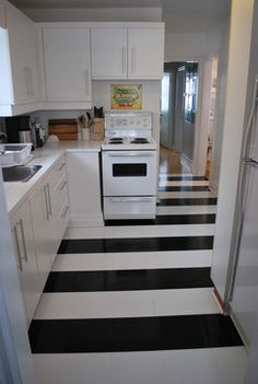 s shock your guests with these shoe string budget flooring ideas, flooring, Get a cool pattern with vinyl flooring Floor Design, Home Design, Interior Design, Design Ideas, Budget Flooring Ideas, Flooring Options, Inexpensive Flooring, Flooring Types, Unique Flooring