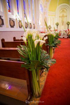 Decoración con cartuchos en el Seminario Valmaría de Usaquen para boda en el Country Club de Bogotá. Decoración: Passione Wedding and Event Planning Vea más fotos de esta boda en www.lagusmedia.com