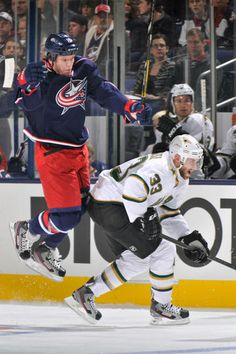 Derek Dorsett. Blue Jackets vs. Stars - 01/28/2013 - Columbus Blue Jackets - Photos