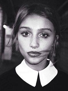 Image de girl, piercing, and model