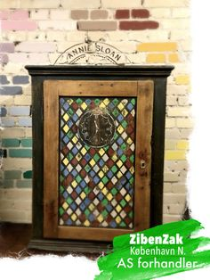 Cabinet painted with Annie Sloan Chalk Paint.