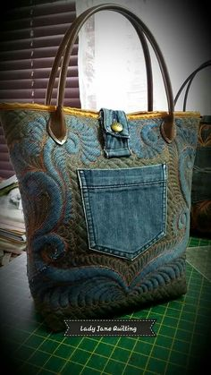 ab8dd65b3c3876 USE THE TAPESTRY FABRIC WITH OLD JEANS AND HANDLES FROM AN OLD PURSE. Denim  Tote