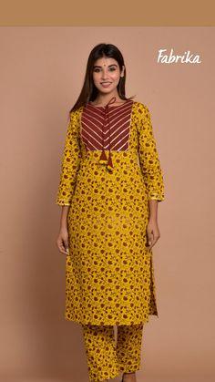 Salwar Kameez Neck Designs, Silk Kurti Designs, Simple Kurta Designs, Kurta Neck Design, Kurta Designs Women, Kurti Designs Party Wear, Girl Outfits, Casual Outfits, Casual Wear