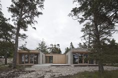 Sahara 1 was built as a part of the developing of the Bungenäs area in the North of Gotland. The site is a former lime stone quarry and abandoned military ar. Scandinavian Architecture, Contemporary Architecture, Interior Architecture, Tiny House, Build My Own House, Modular Structure, Modern Exterior, Cabins In The Woods, Prefab