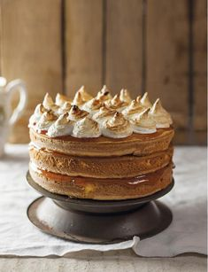 Hier is net 'n groter weergawe - genoeg vir almal! Best Dessert Recipes, Cake Recipes, Desserts, Yummy Recipes, Peppermint Crisp Tart, Kos, Ma Baker, South African Recipes, Bread And Pastries