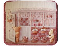Miniature 3-d quilts and stuffed bears - just adorable!!!  Wish I could read this blog.